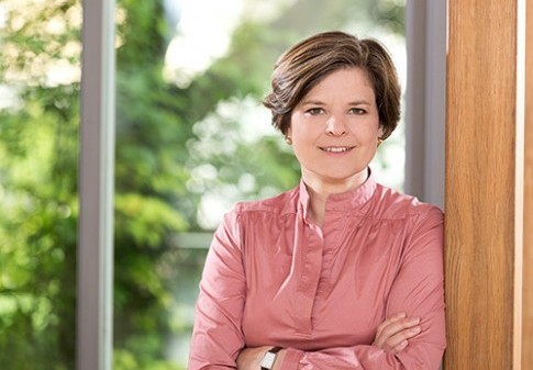 Dr. Barbara Ebert